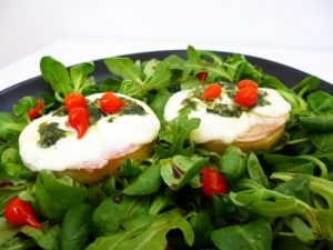 POLENTA-CROSTINI-MOZZARELLA-AND-BASIL