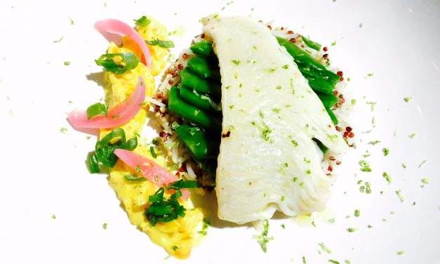 Fillet of cod with rice and two quinoas and greedy peas