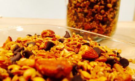 Oatmeal and spelt granola