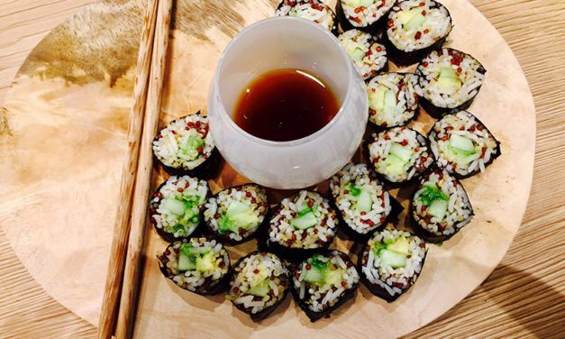 Maki with rice and two quinoa, avocado and cucumber