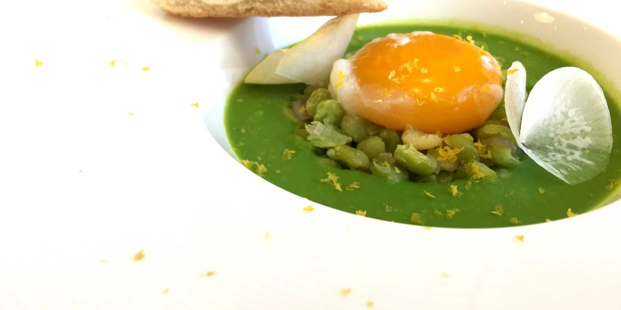 Peas and split peas soup, egg cooked in salt